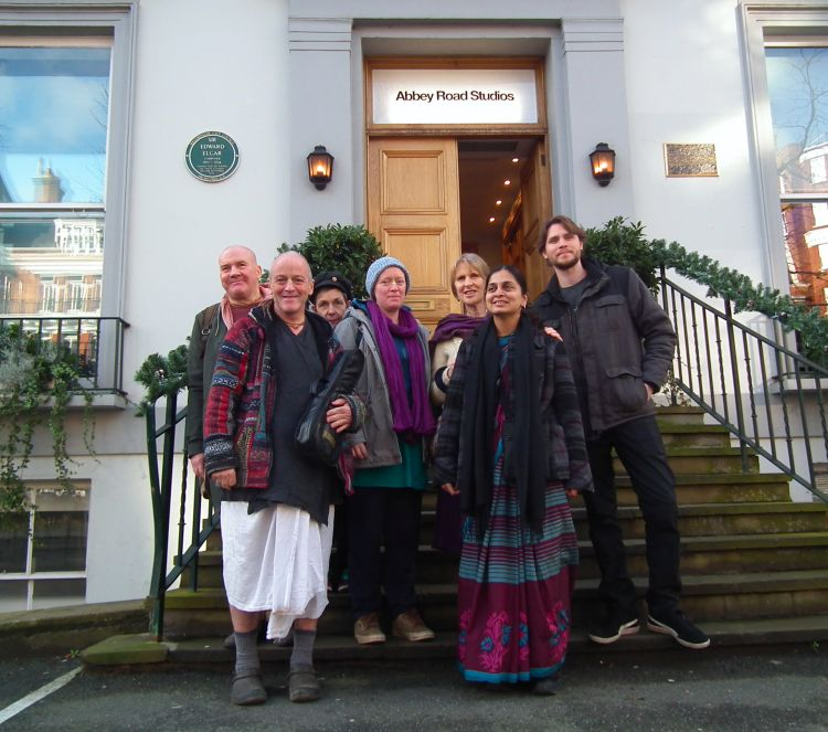 devotees_return_to_record_at_abbey_road_studios.jpg?profile=RESIZE_710x