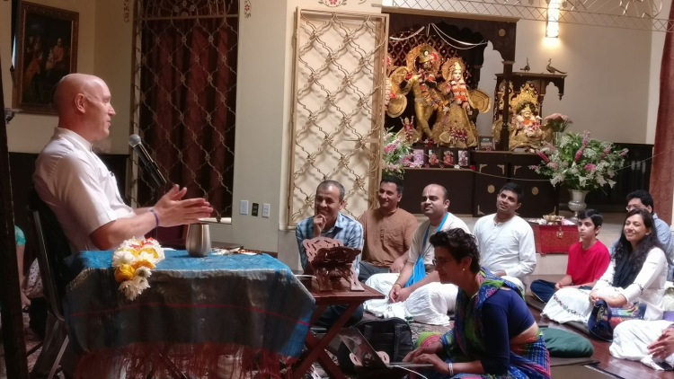 Vaisesika Das sets goals with devotees at ISKCON Silicon Valley